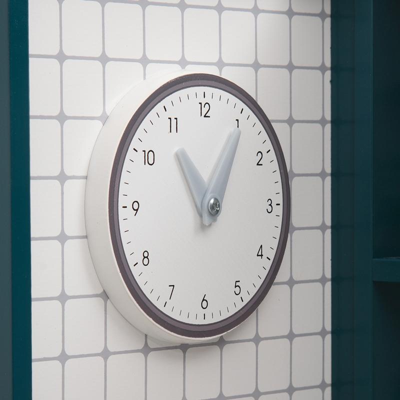 Над боковой стенке кухни Игруша TX1191 есть часы
