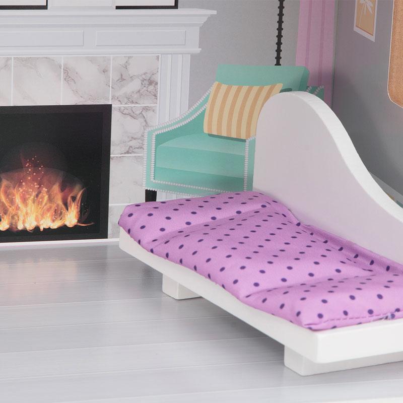 В гостиной домика Edufun EF4121 имеется диванчик для отдыха