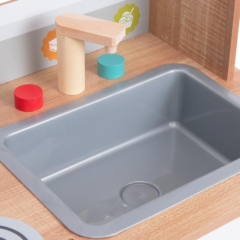 В раковину детской кухни Edufun EF7253 93 можно наливать воду