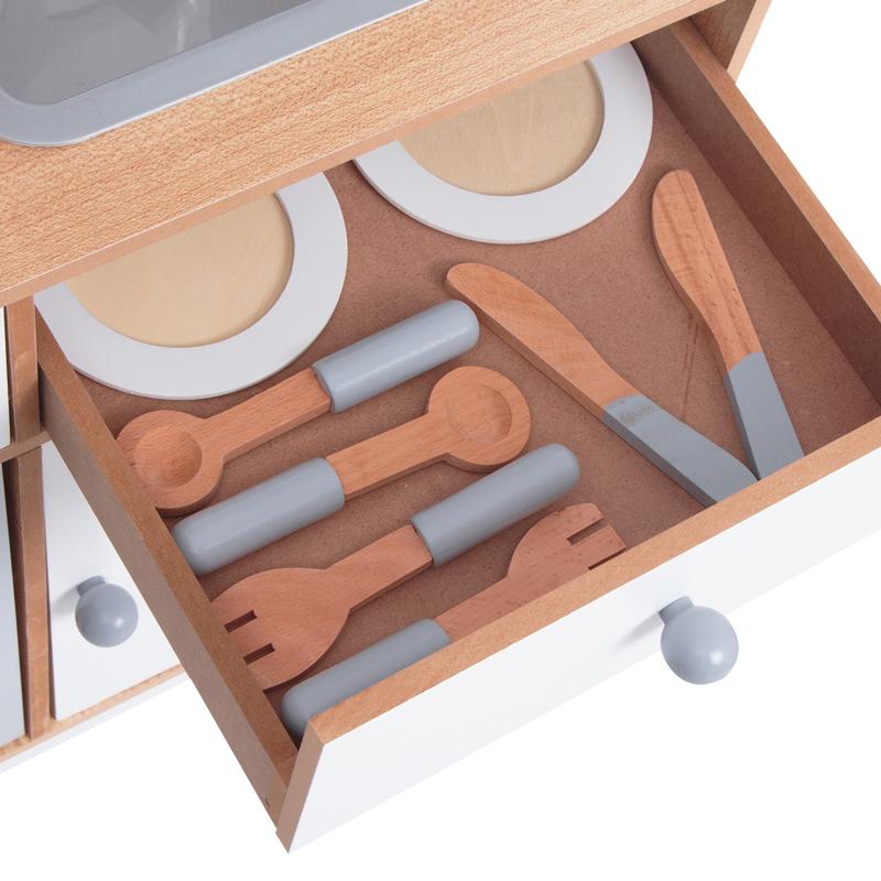 В ящике кухни Edufun EF7253 93 хранятся столовые предметы